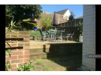 2 bedroom flat in Mill Lane, London, NW6 (2 bed) (#1149734)