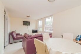 Modern throughout 1 bedroom property with 24/h security