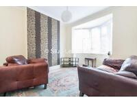 2 bedroom flat in Grace Street, Byker, Newcastle Upon Tyne, NE6