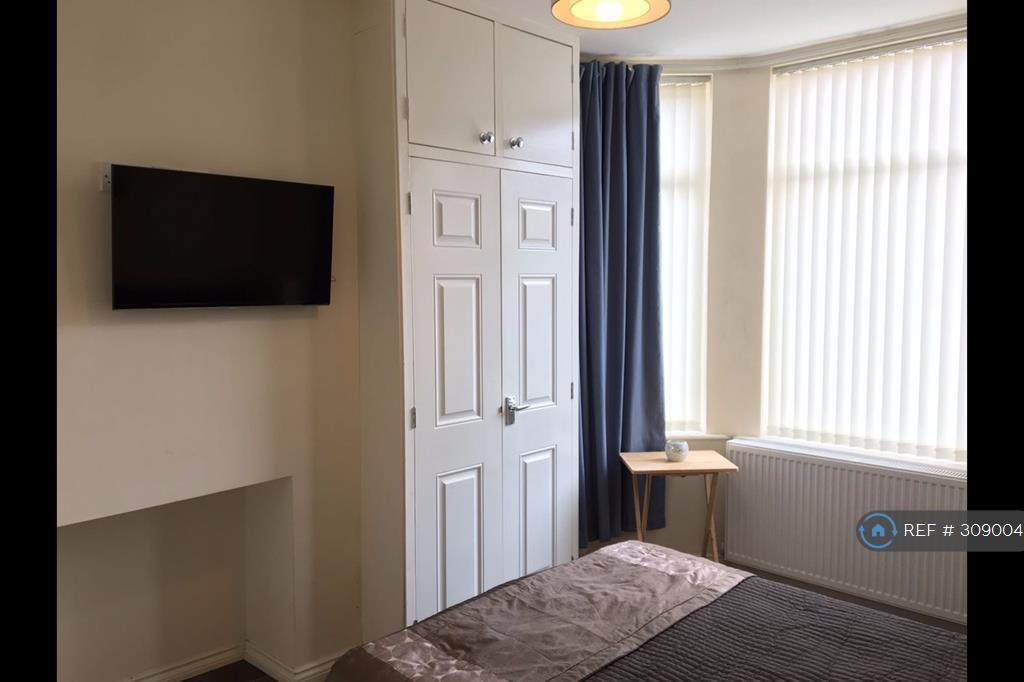 1 bedroom in Frederick Avenue, Penkhull, ST4