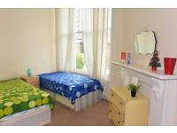 ONE WEEK DEPOSIT!SHORT OR LONG TERM! Lovely double room in Shepherd's Bush!