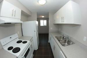 Renovated 1 Bedroom South Side Suite 8-1619 Scenic Heights South