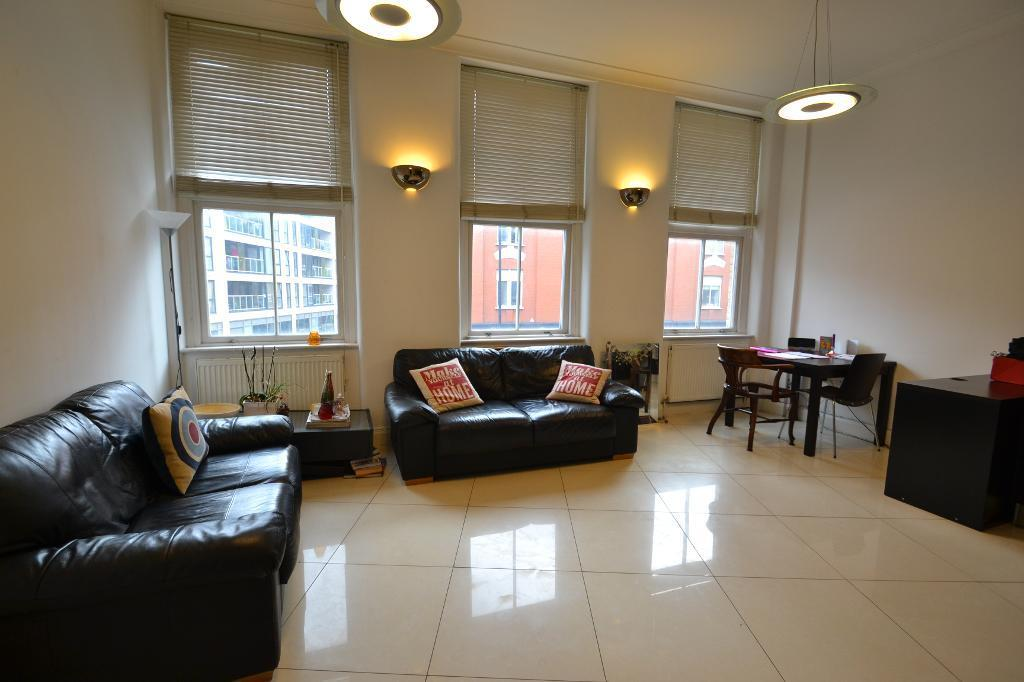 2 bedroom flat in Mayfair Apartments, Commercial Street, Aldgate