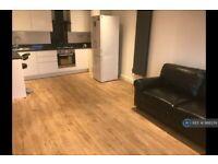 3 bedroom flat in Coldharbour Lane, Brixton , SW9 (3 bed) (#988239)