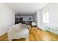 Modern 4B and 3 Bath with Large rear patio in PARK LODGE AVENUE, WEST DRAYTON