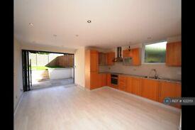 4 bedroom house in East End Road, London, N2 (4 bed) (#1222151)