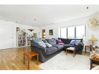 OPEN PLAN 2 LARGE Bed apartment - Great for sharers or couple >MODERN< 2 min walk to canal!