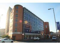 1 bedroom flat in Blackfriars Road, Glasgow, G1 (1 bed) (#1241358)