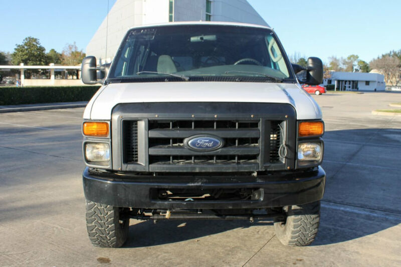 Image 3 Voiture Américaine d'occasion Ford E-Series Van 2008