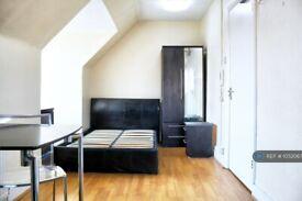 Studio flat in Burnside Road, Chadwell Heath, RM8 (#1052067)