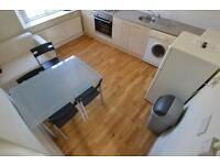 3 bedroom flat in Harriet Street, CATHAYS, CARDIFF