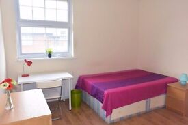 Lovely and bright double room to rent at Stratford