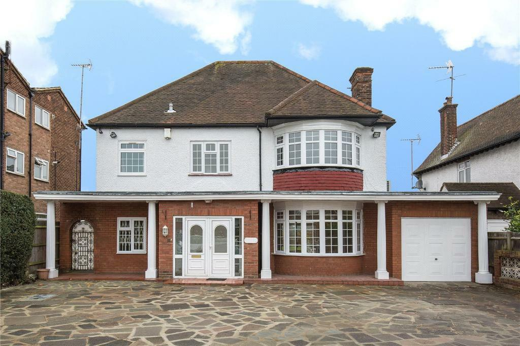 4 bedroom house in High Road, Whetstone, N20