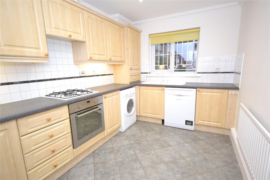 3 bedroom house in Greenfield Drive, London, N2