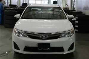 2014 Toyota Camry LE UPGRADE WITH NAVIGATION - SNOW TIRES! London Ontario image 2