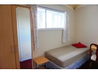 Furnished Nice Single room available now. 2 weeks deposit. No agency fee!