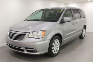 2015 Chrysler Town & Country Auto Stow N Go Dual Power Sliding D