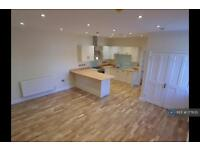 1 bedroom flat in Tremena Road, St Austell, PL25 (1 bed)