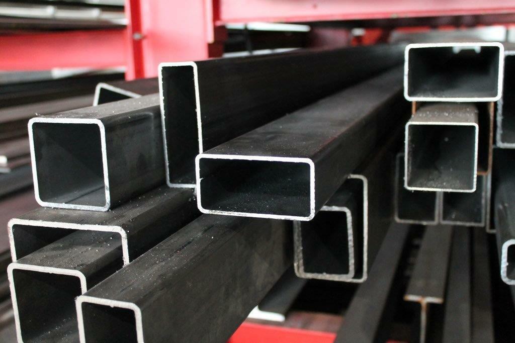 0//-3 mm Quadratrohr ST37 schwarz roh Hohlprofil Rohstahl B/&T Metall Stahl Vierkantrohr 100 x 100 x 3 mm in L/ängen /à 1000 mm