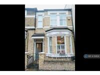1 bedroom flat in Webbs Road, London, SW11 (1 bed)