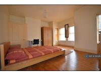 4 bedroom house in Ashburnham Road, Luton, LU1 (4 bed)