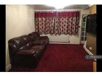 3 bedroom house in Hereford Road, Feltham, TW13 (3 bed)