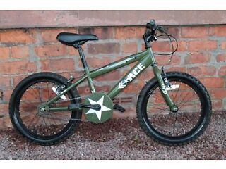 """Childs Apollo Ace mountain bike 18"""" wheels, suit 6 years +"""