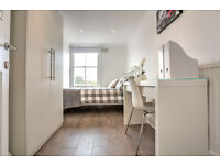 Double room available in July! Moment from Clapham Common tube station!