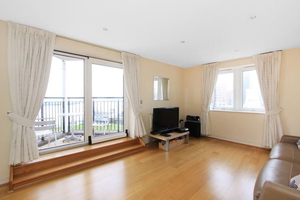 ***AVAILABLE NOW! 2 BED 2 BATH APARTMENT IN NEWPORT AVENUE, EAST INDIA E14 - ONLY £1600 PER MONTH***
