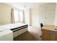 2 bedroom flat in South Knighton Road, Leicester, LE2 (2 bed) (#1072069)