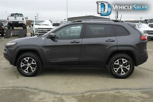 2016 Jeep Cherokee Trailhawk, 4x4, Moonroof, Leather, Nav