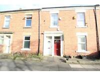 3 bedroom flat in Gainsborough Grove, Arthurs Hill