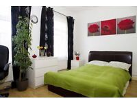Cozy Spacious Pad In E7 - Viewings FRIDAY WEDNESDAY for immediate Move