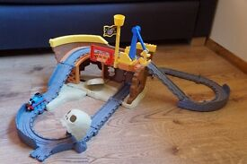 Thomas Take 'n' Play Pirate Cove Playset