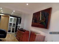 Studio flat in Tilehurst Road, Reading, RG30