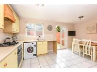 3 bedroom house in Westminster Drive, Palmers Green