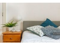 1 bedroom in Duckett Road, London, N4 (#1084696)