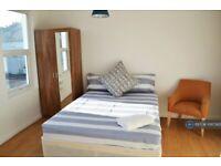 1 bedroom in Brewery Road, London, SE18 (#1097362)
