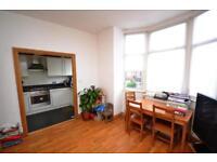 2 bedroom flat in Kitchener Road, East Finchley, N2