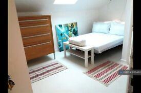 Studio flat in Cross Green, Leeds, LS9 (#1135463)