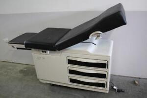 Ritter / Midmark 204  Exam Table