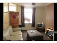 2 bedroom house in Larch Street, Nelson, BB9 (2 bed)