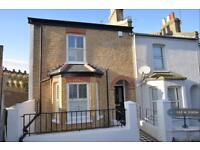 3 bedroom house in Sladedale Road, London, SE18 (3 bed)