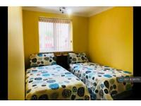 1 bedroom in Longs Walk, Portsmouth, PO1