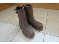 MEN'S BROWN PULL-ON WORK BOOTS - SIZE 8