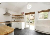 Charming two bedroom house in the Shaftesbury Estate