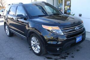2011 Ford Explorer Limited V6 even has dvd head rests . Peterborough Peterborough Area image 4