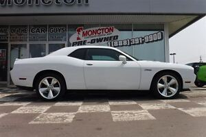 2014 Dodge Challenger R/T HEMI V8 Heated seats