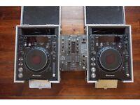 2x Pioneer CDJ 1000 MK3, Pioneer DJM 400 mixer, 2x CDJ flight cases