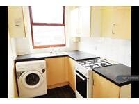 2 bedroom house in Cranbrook Street, Oldham, OL4 (2 bed)